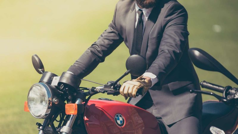 3 tips to protect your suit from your commute
